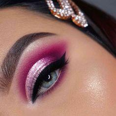 Makeup Eye Looks, Eye Makeup Art, Pink Makeup, Makeup Inspo, Eyeshadow Makeup, Makeup News, Makeup 101, Sparkly Eye Makeup, Halo Eye Makeup