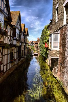 Original pinner took this on a lovely summers day in Canterbury, from the High street looking down the River Stour by the Old Weavers House