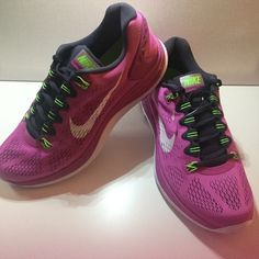 NEW-Nike LUNARGLIDE 5 Size 11! NEVER WORN NEW-Nike LUNARGLIDE 5 Size
