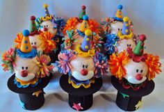 payasos25 souvenir 27th Birthday, Circus Birthday, Baby Birthday, Clown Crafts, Circus Crafts, Tin Can Crafts, Felt Crafts, Crafts For Kids, Needle Felted Owl