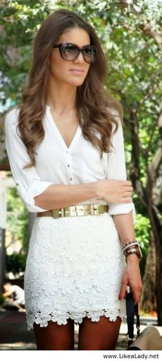 White shirt and floral lace skirt with gold accents. This is one of my favorite looks. so classy, so chic. Again, crochet and lace, with a place simple top looks beautiful Fashion Blogger Style, Fashion Mode, Look Fashion, Fashion Beauty, Womens Fashion, Fashion Trends, Latest Fashion, Fashion Ideas, White Fashion