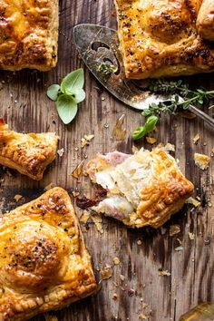 Prosciutto Caprese Puff Pastries With Peppery Thyme Honey Easter Appetizers, Easter Dinner Recipes, Brunch Recipes, Appetizer Recipes, New Recipes, Favorite Recipes, Brunch Food, Seafood Recipes, Samosas