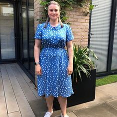 #soibonnieblouse hashtag on Instagram • Photos and Videos Short Sleeve Dresses, Dresses With Sleeves, Dress Sewing, Blouse Dress, Sewing Crafts, Sewing Patterns, Fresh, Photo And Video, Videos