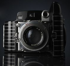 Designed by Walter Dorwin Teague in 1936. The Bantam Special is one of the finest examples of art-deco styling applied to any camera design.