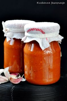 Sauce with garlic, tomatoes, paprica. Fruit Recipes, Chutney, Salsa, Dips, Food And Drink, Jar, Homemade, Foods, Canning