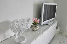 Meidän valkoinen Ikean Bestå tv-taso | Coconut White Decor, Inspiration, Sweet Home, Little Houses, Contemporary, Home Decor, Ikea, Room, Deco