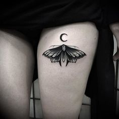 Black moth  Thanks to the white lady @camilliveronica - For info and bookings: nicola.mantineo@gmail.com #blackworktattoo #black #blxckink #blackwork #blackworkers #blackworkerssubmission #blackworkers_tattoo #blacktattooart #blacktattooing #blacktattoomag #btattooing #moreblackink #nero #blackart #darkartists #dark #oniric #vladblad #vladbladirons #vbi #tattooworkers #dotwork #dotworktattoo #tttism #TTTpublishing #moth #mothtattoo