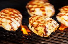 Grilled lemon mint chicken breast, refreshing for easy summer entertaining & weeknight dinners. Moist Chicken, Fresh Chicken, Chicken Eggs, Grilled Chicken, World's Best Food, A Food, Good Food, Yummy Food, Diet Meal Delivery