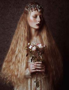 poisoned-apple:  - Photographer: Julia Prohorenkova Photography // Stylist: Jekaterina Mirmanova // Hair/Makeup: Kristina Savich Style // Dr...
