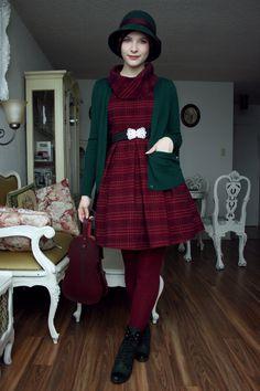 I think I am having a little green moment. Dress:...