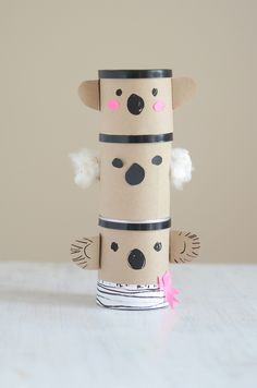 Really cute totem idea and great kids project Fun Crafts For Kids, Easy Crafts For Kids, Projects For Kids, Glue Gun Crafts, Painted Paper, Craft Activities, Recycled Materials, Kids And Parenting, Cool Kids