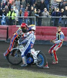 Speedway Motorcycles, Speedway Racing, Dirt Track, Motorbikes, Bicycle, Stars, Bicycle Kick, Biking, Bicycles