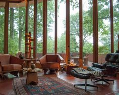 love the glass windows! and view!!! (Living Room Design, Pictures, Remodel, Decor and Ideas - page 10)