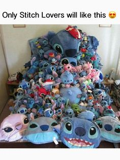 of look at this adorable pile. so cute love stich Lilo And Stitch Quotes, Lilo Et Stitch, Disney Stitch, Cute Disney, Disney Art, Funny Disney, Peluche Stitch, Images Disney, Cute Stitch