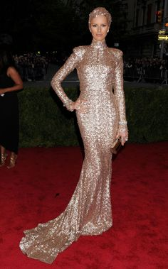 Karolina Kurkova in Rachel Zoé. Rachel Zoé was behind one of the most surprising looks of the night, as Karolina Kurkova treated fans to high-octane sexiness in a figure-hugging silver-pink sequined dress, worn with a Fred Leighton headpiece.