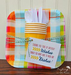 Paper Plate Gift Idea  Plus Printable Tag #birthdaygiftidea #paperplates #friendgift