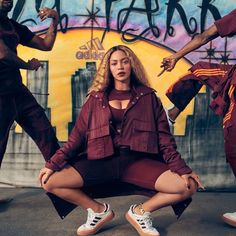 Beyoncé Is A Vision In Adidas & Ivy Park's Collaboration Campaign Beyonce Fans, Beyonce Style, Beyonce And Jay Z, Jayz Beyonce, Ivy Park Beyonce, Rap, Angelina Jolie, Beyonce Merchandise, Beyonce Knowles Carter