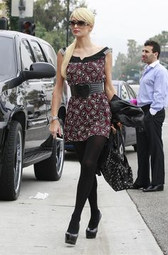 Paris Hilton Print Dress - Paris looked sweet in a playful, printed dress with black tights and YSL pumps. Pantyhose Outfits, In Pantyhose, Nylons, Paris Hilton Photos, Black Tights, Opaque Tights, Girl Celebrities, Fashion Tights, Woman Fashion