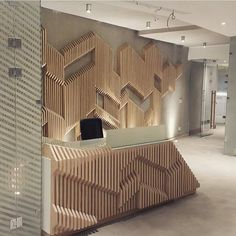 Our modern take for office entrance - parametric use on wood keep Coperate Design, Hotel Lobby Design, Design Case, Design Ideas, Design Styles, Design Inspiration, Office Interior Design, Office Interiors, Home Interior