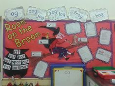 Room on the Broom is a great story for teaching the little ones about rhyme and spelling. Eyfs Activities, Educational Activities, Book Activities, School Displays, Classroom Displays, Classroom Ideas, Julia Donaldson Books, Room On The Broom, Writing Area
