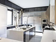 Top Interior Designers: Aman & Meeks Contemporary Kitchen Inspiration, Contemporary Kitchen Cabinets, Contemporary Kitchen Design, Modern Kitchens, Kitchen Modern, Modern Farmhouse, Architectural Digest, Interior Design Trends, Top Interior Designers