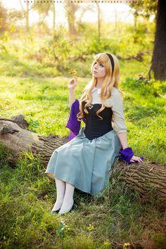 Aurora (Sleeping Beauty) #Cosplay by Thecrystalshoe Costumes | Ph: Fernando Brischetto #Disney