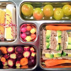@weelicious // #schoollunch Avocado Cream Cheese Sandwiches, Pineapple Fruit Leather, sweet greens plums, carrots + #dyefree m&ms #MeatlessMonday