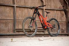 Commencal Supreme V4 Race - Bike Test - Dirt
