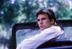 Pretty shot of Mac in his jeep I Can Do Anything, How To Look Better, Best Tv Shows, Favorite Tv Shows, Macgyver Original, Macgyver Richard Dean Anderson, Tv Actors, Scene Photo, Stargate
