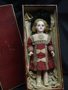 GORGEOUS  ANTIQUE  ORIGINAL  JUMEAU  DOLL SIZE 9. O/M .brown PW eyes A/O French