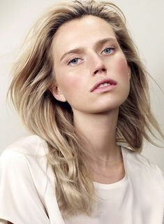 4 Light And Airy Beauty Looks To Try Now // blush, pinks lips & windblown hair #makeup #editorial #springbeauty