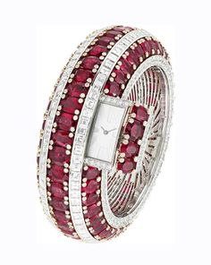 La montre bracelet Rubis Secret de Van Cleef and Arpels