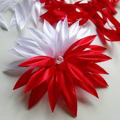 """Polubienia: 18, komentarze: 0 – Biżuteria z sutaszu #BetiBizu (@beti_bizu_handmade) na Instagramie: """"Biało-czerwona ozdoba do włosów i nie tylko! . #betibizu #handmade #satin #flower #red #white…"""" Gift Wrapping, Gifts, Sport, Instagram, Gift Wrapping Paper, Presents, Deporte, Wrapping Gifts, Sports"""