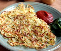 Oil-free Hash Browns -- Hash browns are usually fried in oil, but eliminating the oil is easy when you use a non-stick pan and know the best way to cut the potatoes. These are delicious with a little granulated onion and . Vegan Breakfast Recipes, Vegetarian Recipes, Healthy Recipes, Free Recipes, Vegan Breakfast Casserole, Breakfast Healthy, Breakfast Burritos, Vegan Meals, Breakfast Ideas