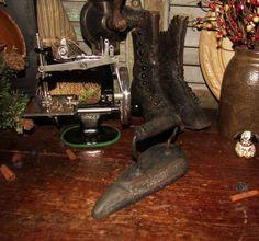 Antique Vtg Cast Cluffs Tailor Shop Teardrop Clothing Cuff Sleeve Sad Flat Iron #NaivePrimitive