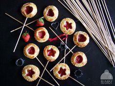 Pie pops Alibaby9 Pie Pops, Cheesecake, Cooking Recipes, Breakfast, Food, Torte, Morning Coffee, Cheesecakes, Chef Recipes