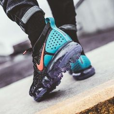 #Cute #Sneakers Fresh Street Shoes Fly Shoes, Kicks Shoes, Running Shoes, Cute Sneakers, Sneakers Nike, Sneakers Fashion, Fashion Shoes, Nike Air Vapormax, Cool Trainers