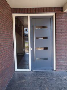Home Goods Decor, Home Decor, Garage Doors, Front Doors, Ramen, Entrance, Locker Storage, Home Improvement, Interior Decorating