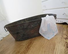 Vintage Galvanized Tub * Shabby Chic * Old Farmhouse * HOLIDAY DECOR * Rustic * Cabin * Cottage * Rusty Patina