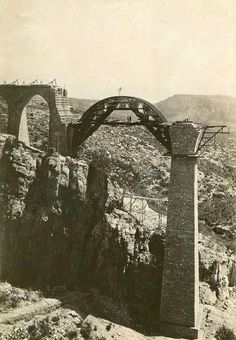 Photograph taken probably in 1917 by a German photographer. History Of Photography, Armenia, Historical Photos, National Geographic, Geography, Old Photos, Mount Rushmore, Tourism, Nostalgia