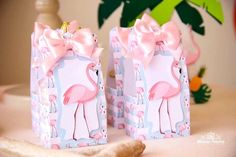 Don't miss this Tropical Flamingo Pool Party featured here at Kara's Party Ideas. See the brigs, decor, favors, and so much more! Flamingo Pool, Flamingo Birthday, Flamingo Party, Pink Birthday, 1st Birthday Girls, Birthday Parties, Festa Party, Luau Party, 1st Birthday Girl Decorations