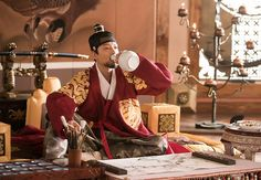[BY KBS드라마] 일부러 역의 칼에 찔려서 역을 역도로 만든 융 잘 가거라, 아우야 지난 주! 헬게이트 오... Korean Traditional Dress, Traditional Dresses, Queen For Seven Days, Kbs Drama, Oriental Fashion, Oriental Style, Korean Dress, Aesthetic Boy, My King