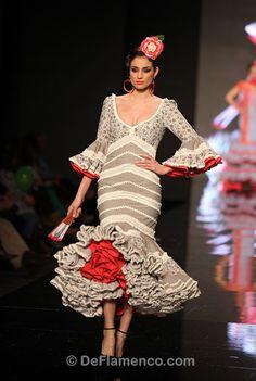 Fotografías Moda Flamenca - Simof 2013 - CARMEN VEGA Me Embrujaste - Foto 06