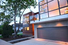 Beachaus: LEED Platinum sustainable home in British Columbia
