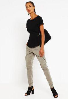 #Fiveunits jolie pantaloni shadded army Oliva  ad Euro 76.00 in #Fiveunits #Donna abbigliamento pantaloni