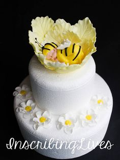 Bumble bee baby shower fondant cabbage cake topper Baby on cabbage cake topper baby girl Bee Cakes, Cupcake Cakes, Hummel Baby, Bumble Bee Cake, Bumble Bees, Baby Shower Cakes Neutral, Sunflower Baby Showers, Fondant Baby, Fondant Flowers