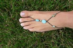 the treat girl: foot jewelry DIY. Want to make one of these, would be great to wear with my flip flops!!