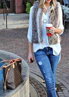 FUR VEST, Leopard beanie, tassle earrings, louis vuitton neverfull, house of harlow necklace, lush tunic, ray ban aviators #theblushingbella