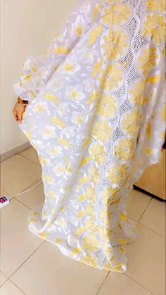 African Maxi Dresses, African Dresses For Women, Fashion Dresses, Hijab Fashion, African Fashion, Menswear, Glamour, Chic, Clothes