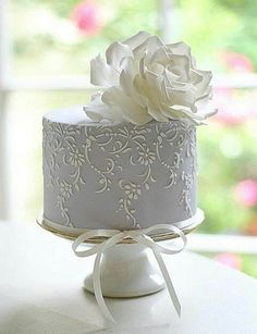 How to plan a #wedding #reception ♡ WEDDING CAKE GUIDE ... GREY WEDDING CAKE ♡ https://itunes.apple.com/us/app/the-gold-wedding-planner/id498112599?ls=1=8 ♡ Weddings by Colour ♡ http://www.pinterest.com/groomsandbrides/boards/
